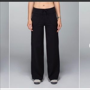 Lululemon Pants- Black- Size 4